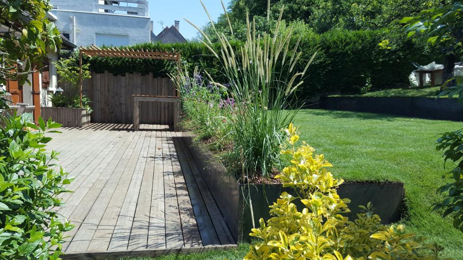 Aménagement d'un jardin en pente - Touraine Nature
