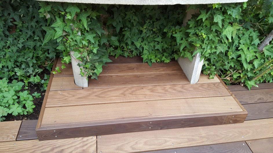 Détail d'une terrasse en bois par Touraine Nature