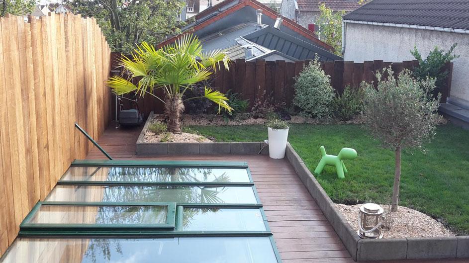 Aménagement d'une terrasse en bois avec vitre au sol