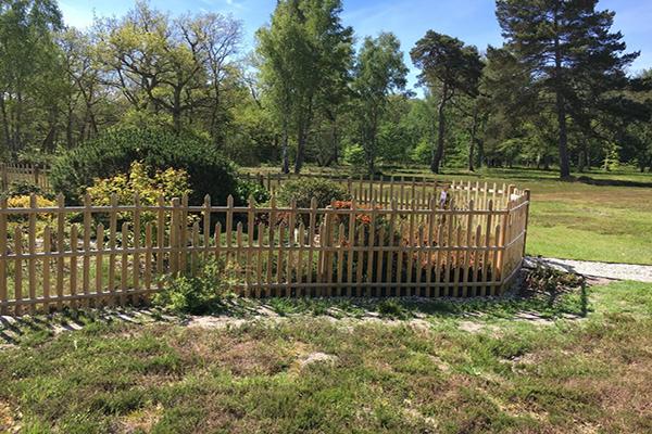 Palissade ajourée en châtaignier pour jardin