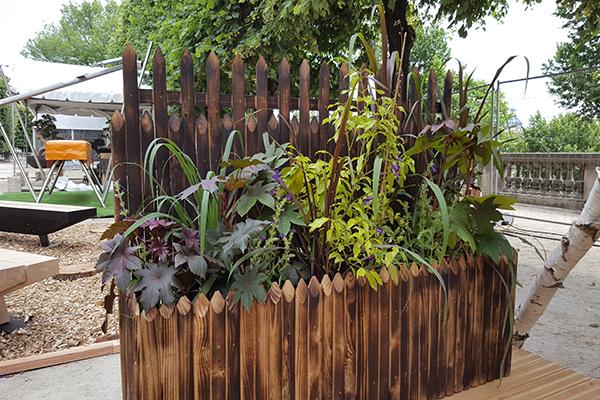 Treillage décoratif jardinière